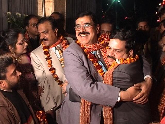 Hindu wedding in Amritsar. Fathers' embrace.