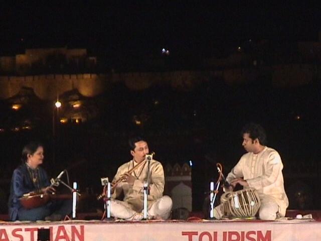 Desert Festival '03, Jaisalmer. Flute maestro.