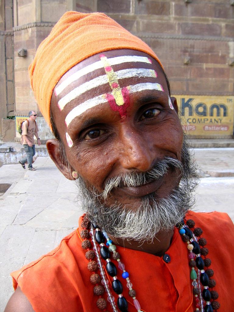 наносят смешные фото индусов того, что кивсяки