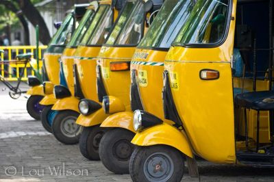 Booking Taxis and Auto Rickshaws in India - How to get reasonable Cab Fares...