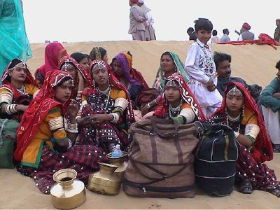 Desert Festival '03, Jaisalmer. Dance company before performance.