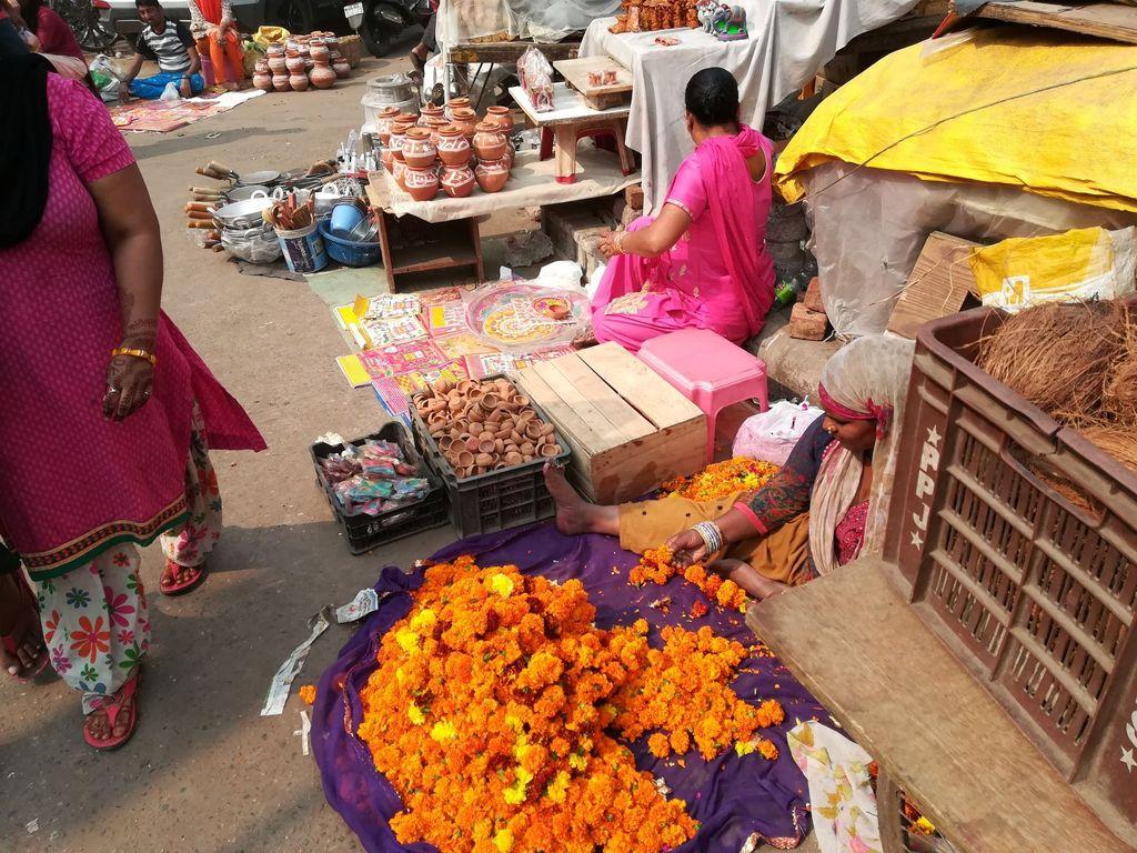 market-scene.jpg