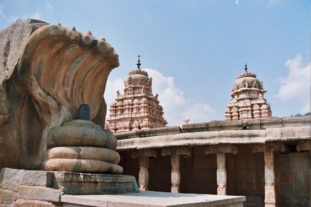 Ancient Lepakshi Temple. Courtesy: IndiaMike.com