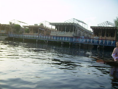 Boat Houses as hotels in Dal Lake