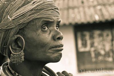 Bonda Lady Thinking