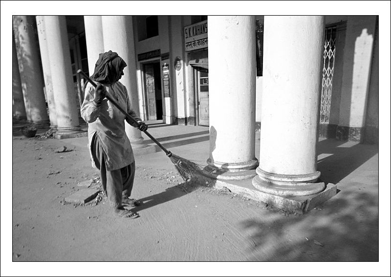 India Travel | Pictures: Sweeper 1970