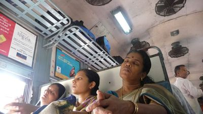 2nd Class Unreserved Train - Varkala to Koshikode 1 of 4