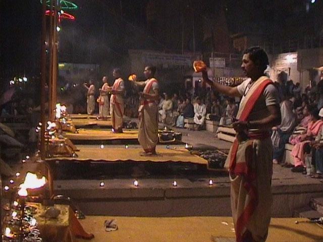 Evening ceremony, Varanasi (3)