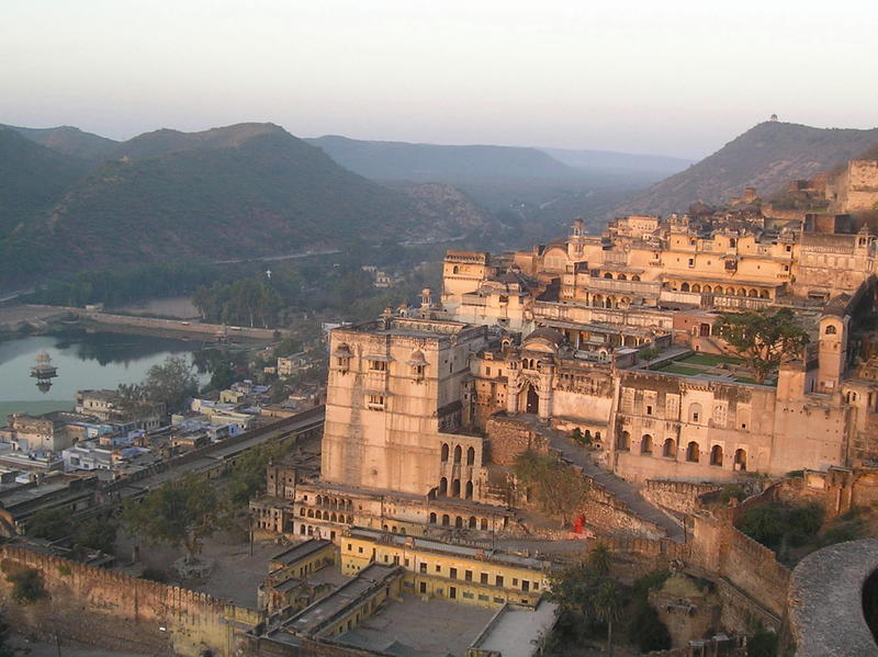 bundi palace, sunrise.jpg