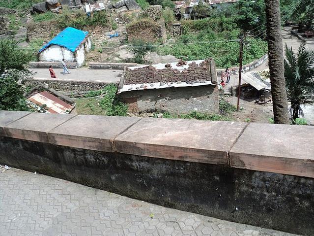 Name:  Way to Achalgarh Jain Temples.jpg Views: 18489 Size:  80.9 KB