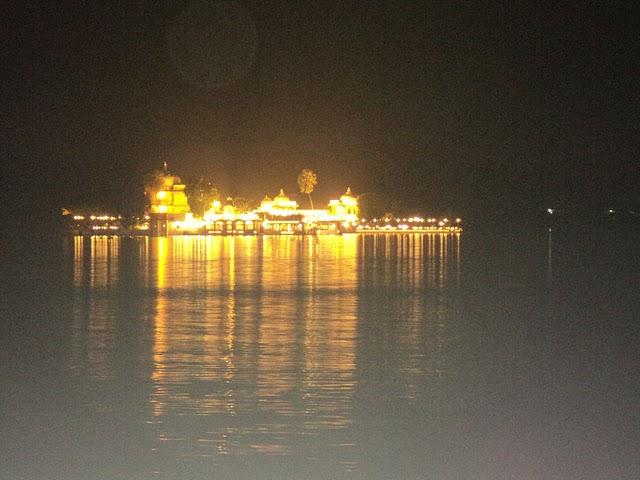 Name:  Jag Mandir Palace.jpg Views: 20737 Size:  61.7 KB
