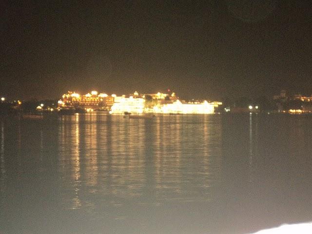 Name:  Lake Palace.jpg Views: 16846 Size:  56.9 KB