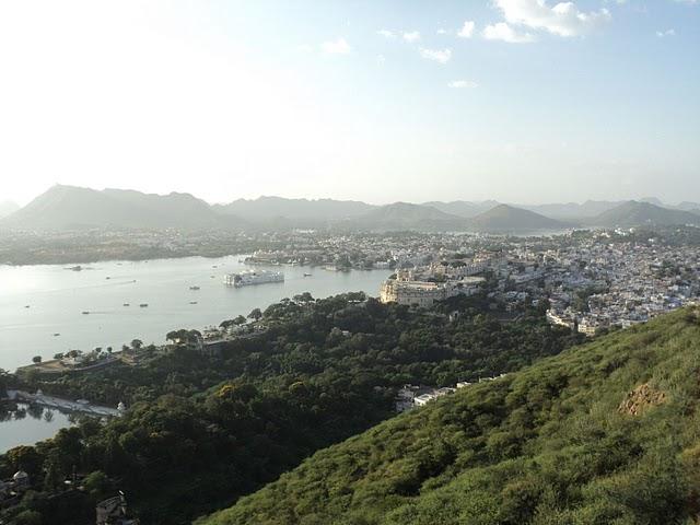 Name:  Lake Pichola, Lake Palace, City Palace.jpg Views: 52359 Size:  65.4 KB