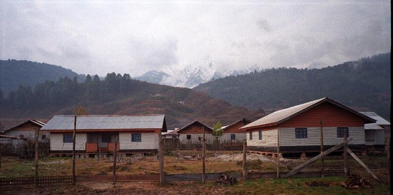 Name:  13255d1273387163-where-was-this-photo-taken-2-resized-himalayan-backdrop-for-im.jpg Views: 422 Size:  56.5 KB