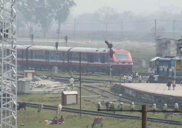 Unknown train.jpg