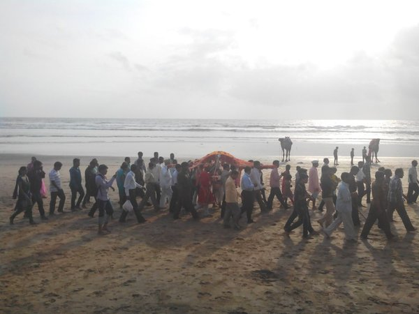 The Chaturthi Palanquin Procession 3.jpg