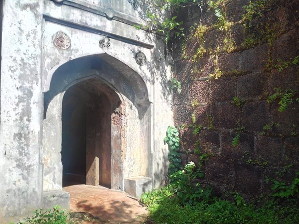 Jaigad Fort Entrance.jpg