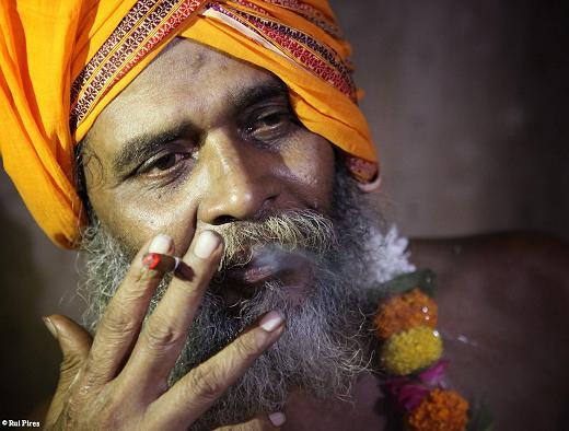 India Travel | Forum: Varanasi - Meeting aghori sadhu in