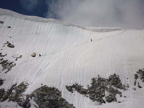 Climbing Lamkhaga pass ( alt 5282 meters)