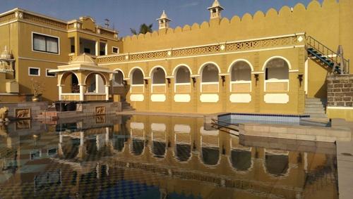 Jal Vihar - Swimming pool.jpg