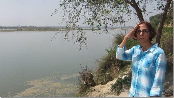 Ganga - 150 kilometer south of Auyodha.jpg