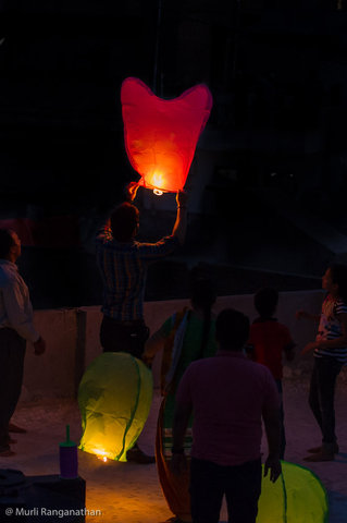 Name:  launching a chinese lantern-1-5.jpg
