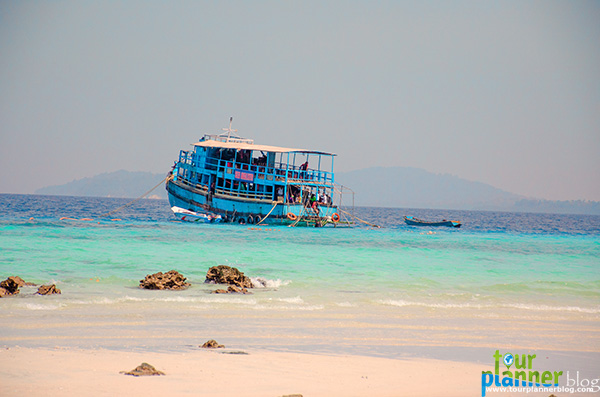 Name:  Elephanta_boat.jpg Views: 830 Size:  82.4 KB