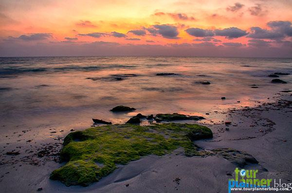 Name:  sunrise-at-Kalapatthar.jpg Views: 785 Size:  60.9 KB