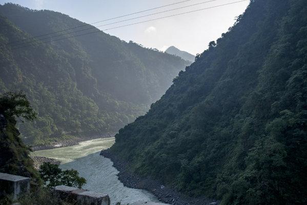 Name:  Ganga on our way to Rudraprayag.jpg Views: 203 Size:  47.1 KB