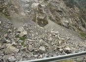 No trouble - little landslide on the kinnaur highway by vaibhav_arora.  Tags: Himachal Pradesh, Kinnaur, recong peo.