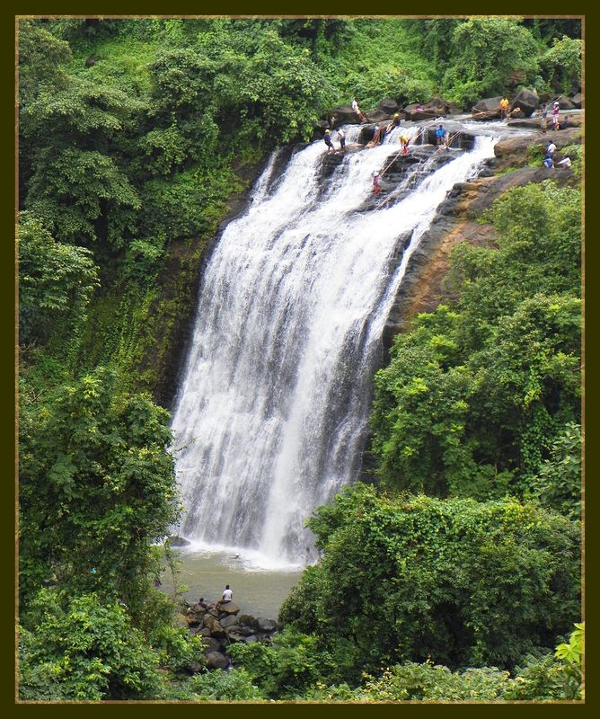 Vihigaon Waterfalls - Rappelling in action