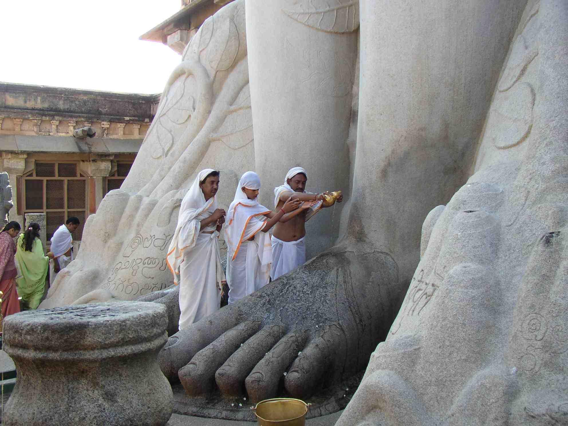 Shravanabelagola India Travel Forum Indiamike Com