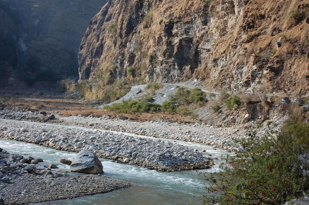 The alternate road to Munsyari , Uttarakhand near to ...