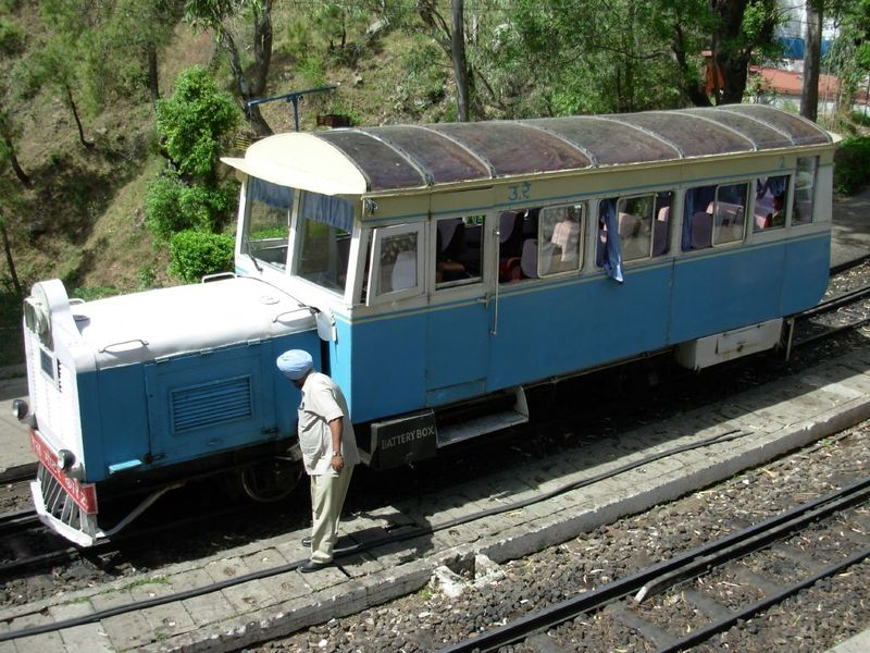 The Rail Motor Car At Barog Station India Travel Forum