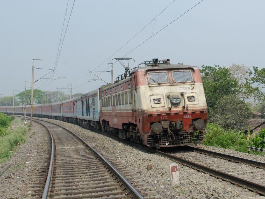 travel indian railway trains solapur mumbai super fast express