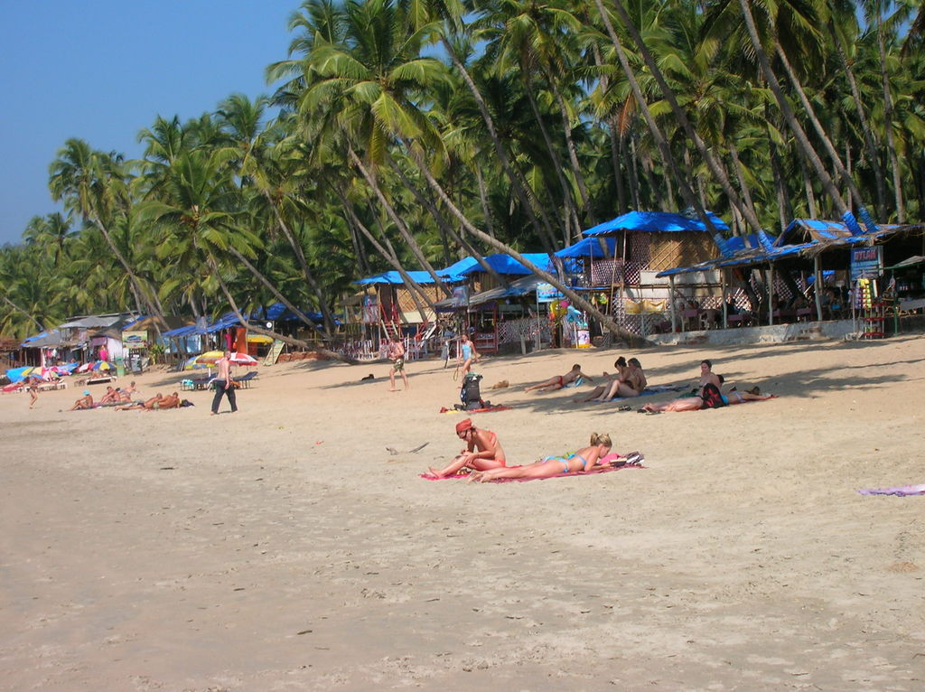 how to get to goa india