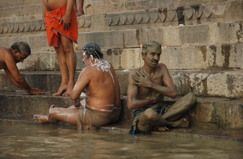 Before and after taking a bath in the ganga india travel for Bathing images