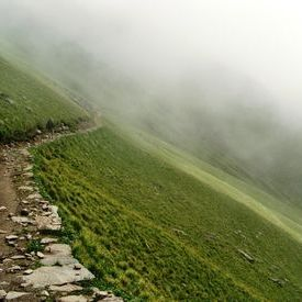 Roopkund Trek - Trekking path to Pathal Nachauni