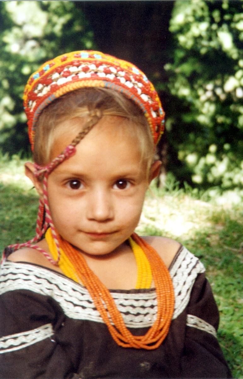 blonde india