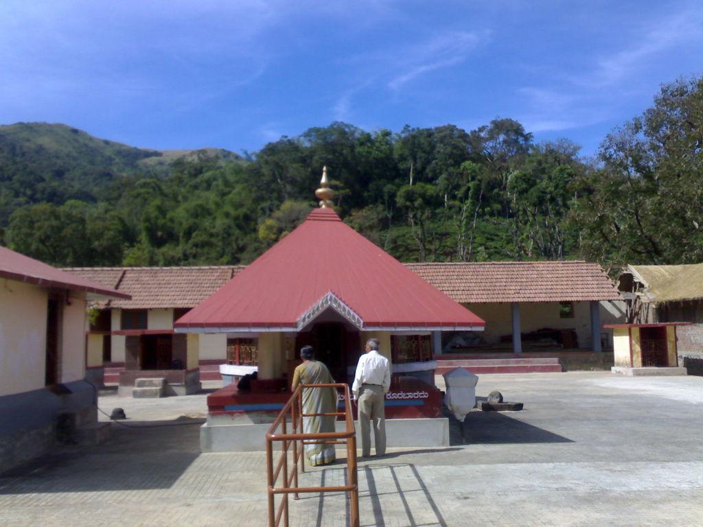 brahmagiri trek temple