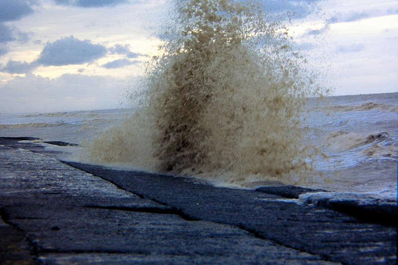 Digha India  city photos : Waves at Digha Sea Beach W. Bengal India Travel Forum   IndiaMike ...