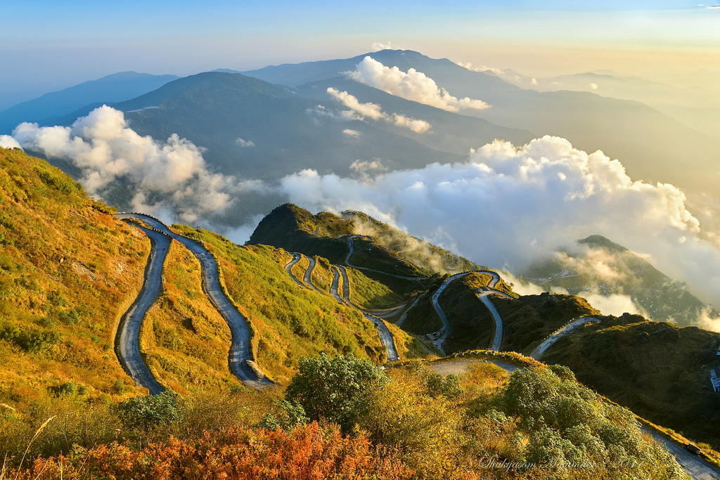 The picturesque Zig Zag road from Thambi View Point, Old Silk Route, East Sikkim