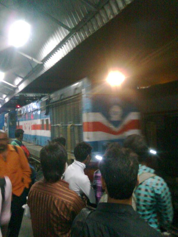Gonda WDM3A loco pulls the Ranikhet express at Old Delhi rail station on platform no. 12 at 11.30 P.M. to reach Kathgodam