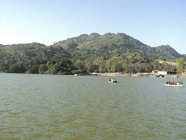 Name:  Nakki Lake.jpg Views: 15225 Size:  74.9 KB