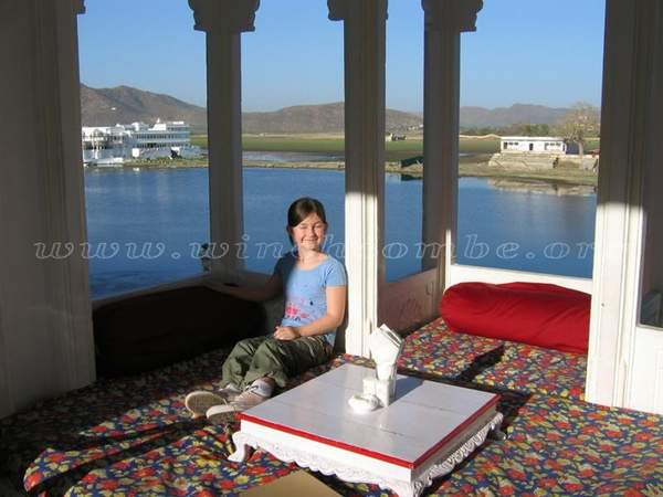 Name:  Jagat%20Niwas%20-%20Amy%20in%20front%20of%20Lake%20Pichola.jpg
