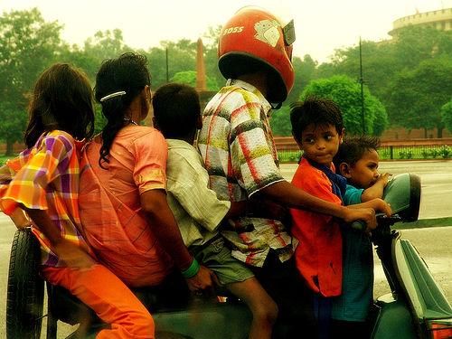 17935d1305860230-bargaining-with-autorickshaws-sixonascooter.jpg