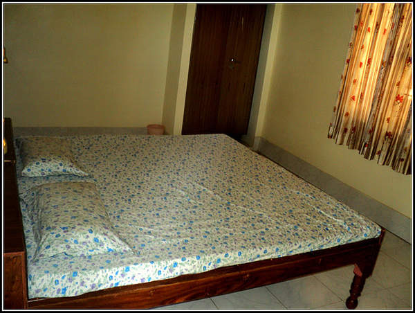 Name:  The Rs 750 Room.jpg