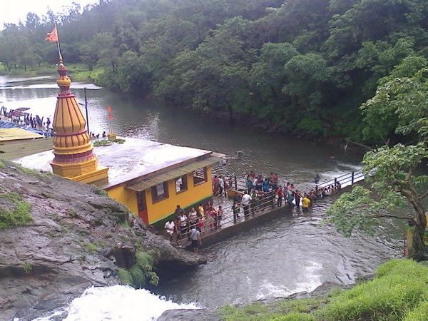 kondeshware temple waterfall
