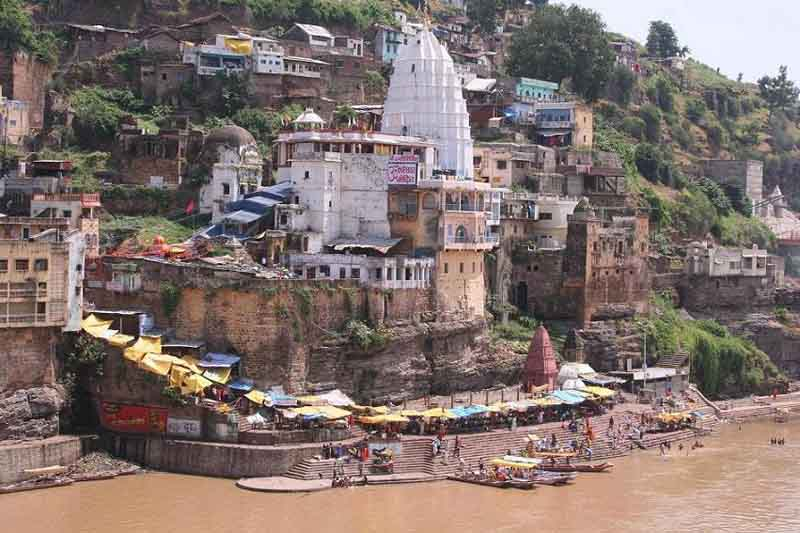 West ghats in Omkareshwar.JPG