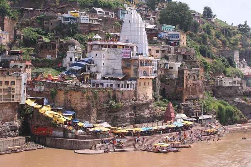 West ghats in Omkareshwar.JPG